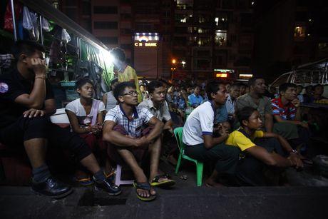 Xem M.U – Arsenal o Yangon: Ai bao nguoi Viet Nam yeu bong da nhat the gioi? - Anh 3