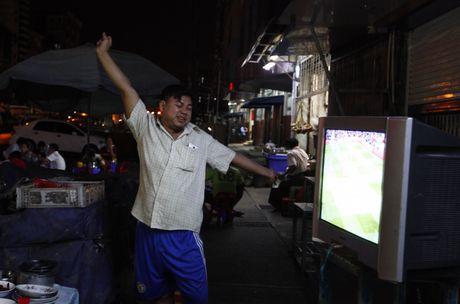 Xem M.U – Arsenal o Yangon: Ai bao nguoi Viet Nam yeu bong da nhat the gioi? - Anh 9