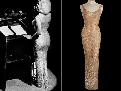 Vay cua Marilyn Monroe lap ky luc dau gia voi 4,8 trieu USD - Anh 1