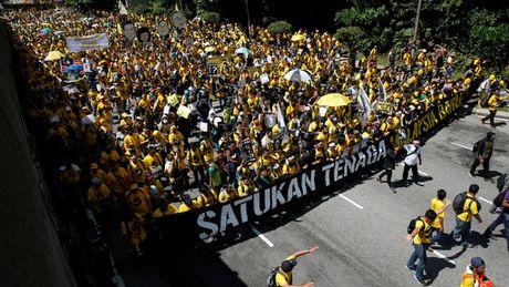 Hang ngan nguoi bieu tinh doi Thu tuong Malaysia tu chuc - Anh 1
