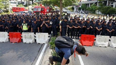 Hang ngan nguoi bieu tinh doi Thu tuong Malaysia tu chuc - Anh 2