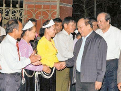 Thu tuong Nguyen Xuan Phuc du Ngay hoi Dai doan ket toan dan toc tai Hoa Binh - Anh 1