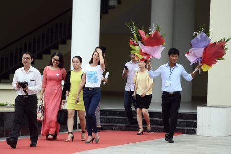 Thay xua tro cu cua ngoi truong noi tieng Hai Phong hoi ngo - Anh 2