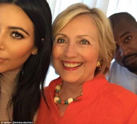 Kanye West gay phan no khi tuyen bo ung ho Donald Trump - Anh 2