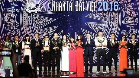 Nhan tai Dat Viet 2016: Ton vinh 2 giai Nhat ve CNTT - Anh 2