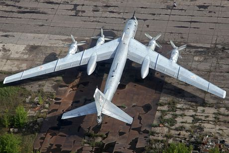 Tu-95 Bear - May bay nem bom chien luoc cua Nga - Anh 10