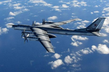 Tu-95 Bear - May bay nem bom chien luoc cua Nga - Anh 5