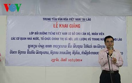 Khai giang lop tap huan tieng Viet dot 1 cho Hoc vien Quan y Lao - Anh 1