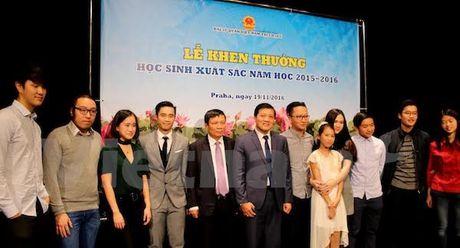The he tre nguoi Viet tai Sec tiep noi truyen thong ton su trong dao - Anh 1