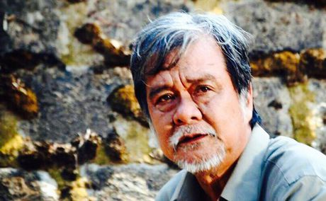 Sao 'Huong phu sa' dot ngot qua doi khi dang xem TV - Anh 1