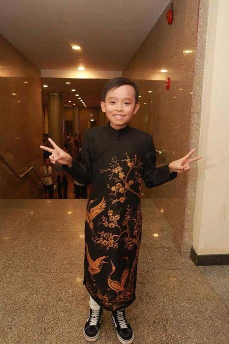 Bat ngo voi canh di dien nhu sieu sao cua Ho Van Cuong - Anh 11