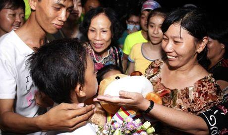 Bat ngo voi canh di dien nhu sieu sao cua Ho Van Cuong - Anh 9