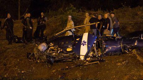 Brazil: Toi pham ban ha truc thang canh sat, 4 nguoi chet - Anh 1