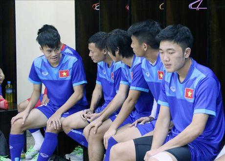 Chia tay AFF Cup 2016, Tuan Anh dieu tri chan thuong o dau? - Anh 1