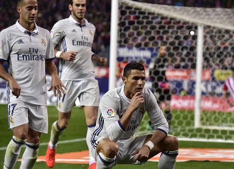 5 diem nhan sau tran derby Madrid: 'Quai vat' Ronaldo tro lai - Anh 1