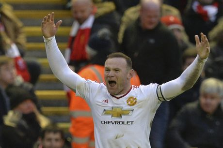 Rooney to truyen thong don anh vao 'cho chet' - Anh 1