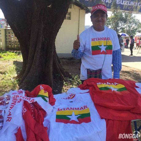Fan Myanmar hung huc khi the xem tran Viet Nam - Anh 5