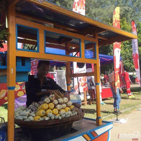 Fan Myanmar hung huc khi the xem tran Viet Nam - Anh 9
