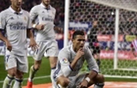 Diem tin toi 20/11: Man.C tao 'bom tan' Messi; Cong Vinh lap ky luc - Anh 5