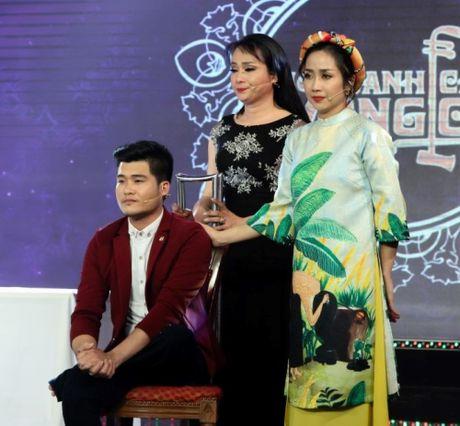 Nghe si cai luong Ngoc Huyen khoe giong ngot ngao tren ghe nong - Anh 3