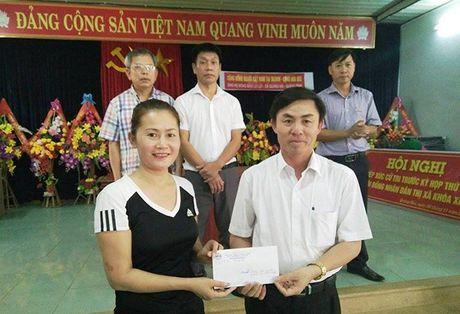 Tam long cua ba con nguoi Viet o CH Sec den voi nguoi dan vung lu - Anh 3