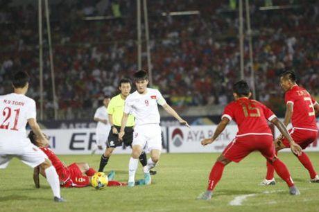 "Cong Vinh 50 ban: Sap cho Neymar, Van Persie ""hit khoi"" - Anh 1"
