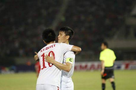 "Cong Vinh 50 ban: Sap cho Neymar, Van Persie ""hit khoi"" - Anh 2"
