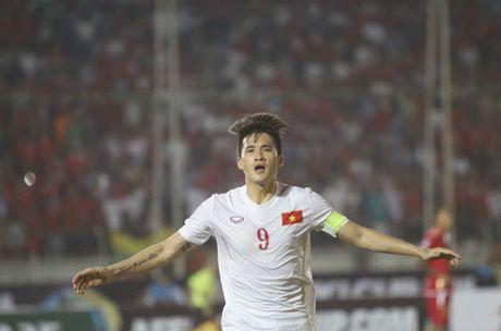 "Cong Vinh 50 ban: Sap cho Neymar, Van Persie ""hit khoi"" - Anh 3"