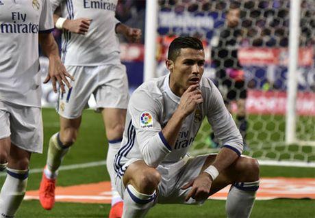 Ronaldo pha ky luc ton tai hon nua the ky cua huyen thoai - Anh 1