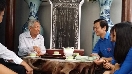 Nha giao 25 nam day mien phi: Dai hoc khong phai con duong duy nhat - Anh 1