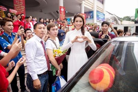 Pham Huong - Co giao 'doc nhat vo nhi' cua showbiz Viet - Anh 7