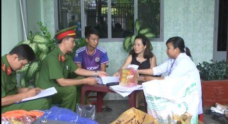 Ninh Thuan: Phat hien co so kinh doanh nuoc giai khat trai phep - Anh 3