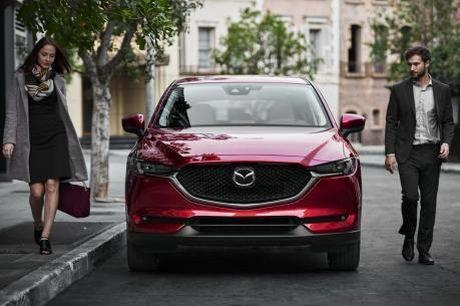 Mazda quyet dinh tham gia vao phan khuc xe o to dien tai My - Anh 1