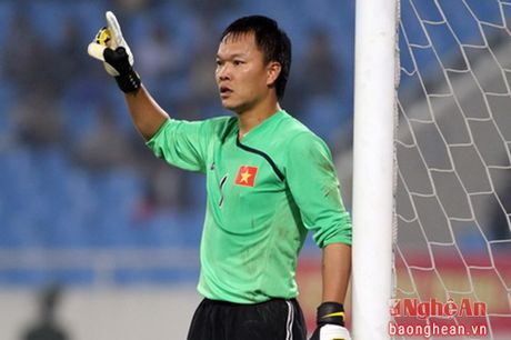 Nguoi hung AFF Cup 2008 Duong Hong Son theo nghiep lam thay - Anh 1
