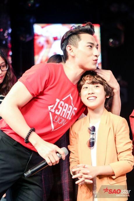 Isaac: 'Toi dep trai nhung khong de dai' - Anh 2