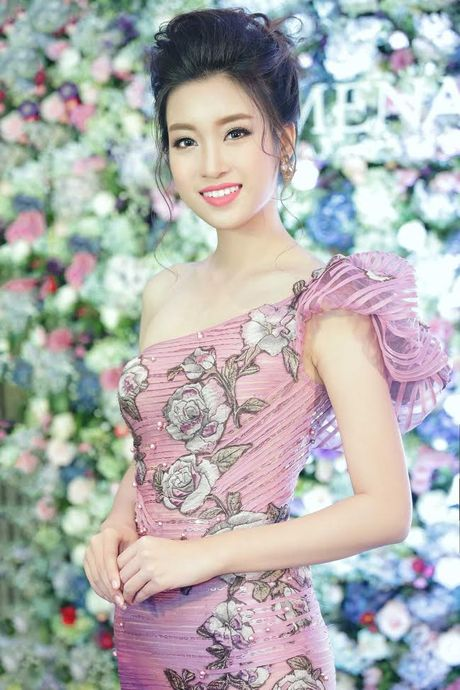 Hong Nhung ngoi bet do danh cap doi song sinh - Anh 4
