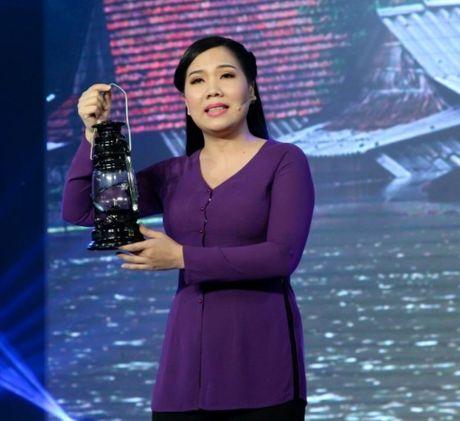 Danh ca vong co: Ngoc Huyen, Thoai My nghen ngao truoc chang trai tat nguyen - Anh 2