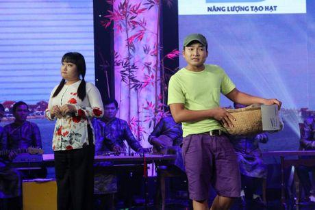 Danh ca vong co: Ngoc Huyen, Thoai My nghen ngao truoc chang trai tat nguyen - Anh 3