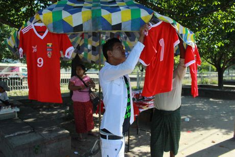 Phu nu, tre em Myanmar 'an theo' AFF Cup - Anh 8