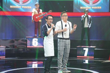 Tran Thanh lai bat khoc truoc chang trai hat giong Khanh Ly - Anh 1
