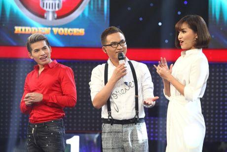 Tran Thanh lai bat khoc truoc chang trai hat giong Khanh Ly - Anh 3