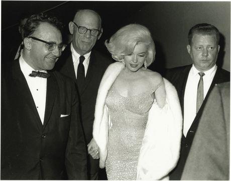 Chiec vay huyen thoai cua Marilyn Monroe co gia tram ty - Anh 5