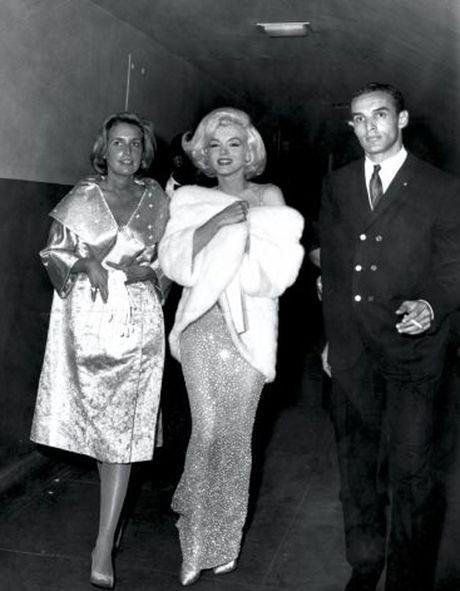 Chiec vay huyen thoai cua Marilyn Monroe co gia tram ty - Anh 6