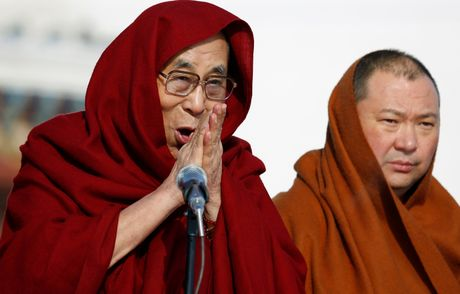 Mong Co don tiep Dalai Lama bat chap Trung Quoc gian du - Anh 1