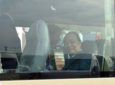 Thu tuong tham DH Quoc gia TP.HCM bang xe khach - Anh 1