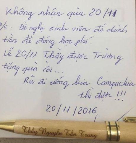 Thay giao de nghi SV de tien mua qua 20/11 dong hoc phi - Anh 2