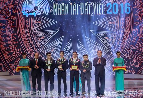 Trao giai thuong Nhan tai Dat Viet nam 2016 - Anh 2