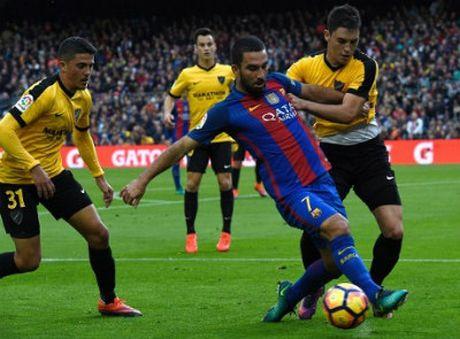 Video tong hop Barca 0-0 Malaga - Anh 1