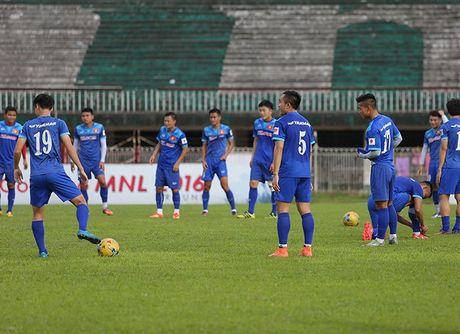 Viet Nam vs Myanmar: Thu thach dau tien - Anh 1