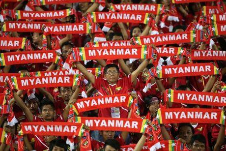 HLV Huu Thang: 'Suc ep tu khan gia Myanmar se rat kinh khung' - Anh 1